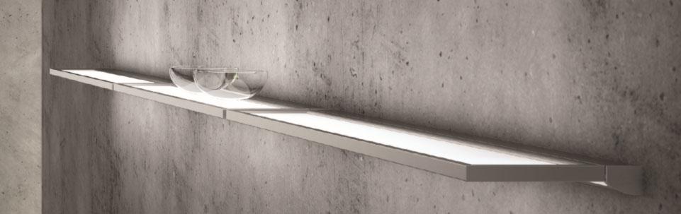Tendencia en iluminación, estantes y fondos luminosos